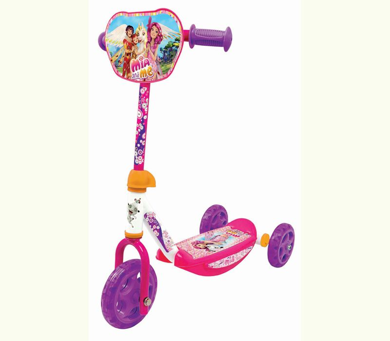 Mia toys and games scooter