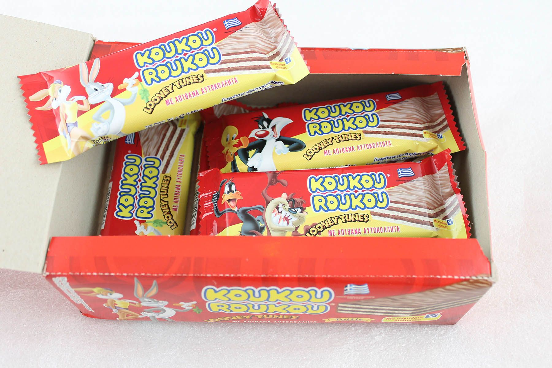 Looney Tunes food and promotions wafers